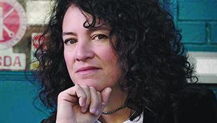 Headshot of Ferne Pearlstein
